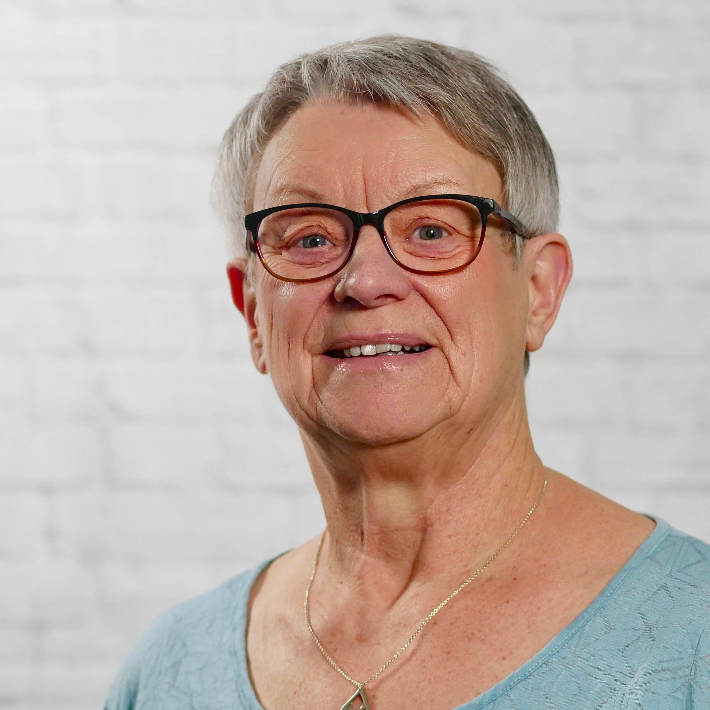 Iris Hess
